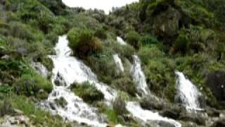 沖永良部島には川も山も少ないのですが、かなり豪快な滝もあります。こ...