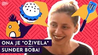 Vladislava Đorđević kao Sunđer Bob Kockalone -  Ona živi u ananasu na dnu mora