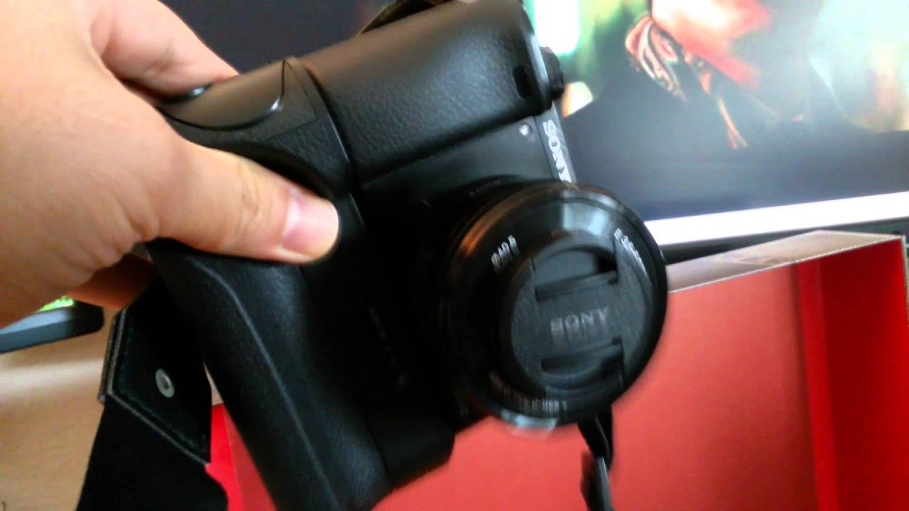 Sony A6000 Neewer Battery Grip Review Part 1 - YouTube