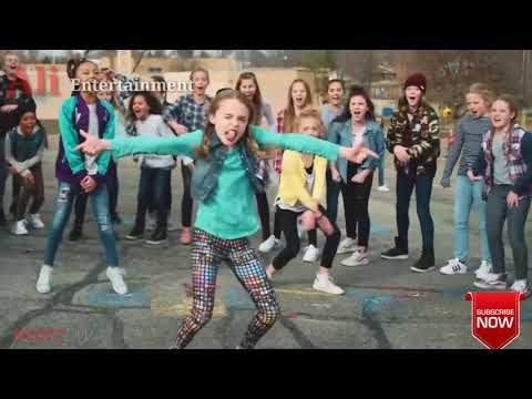 Riva Riva remix dance on school boys vs girl