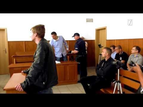 Proces o zamach na Komorowskiego: Sąd wyrzucił oskarżonego z sali.