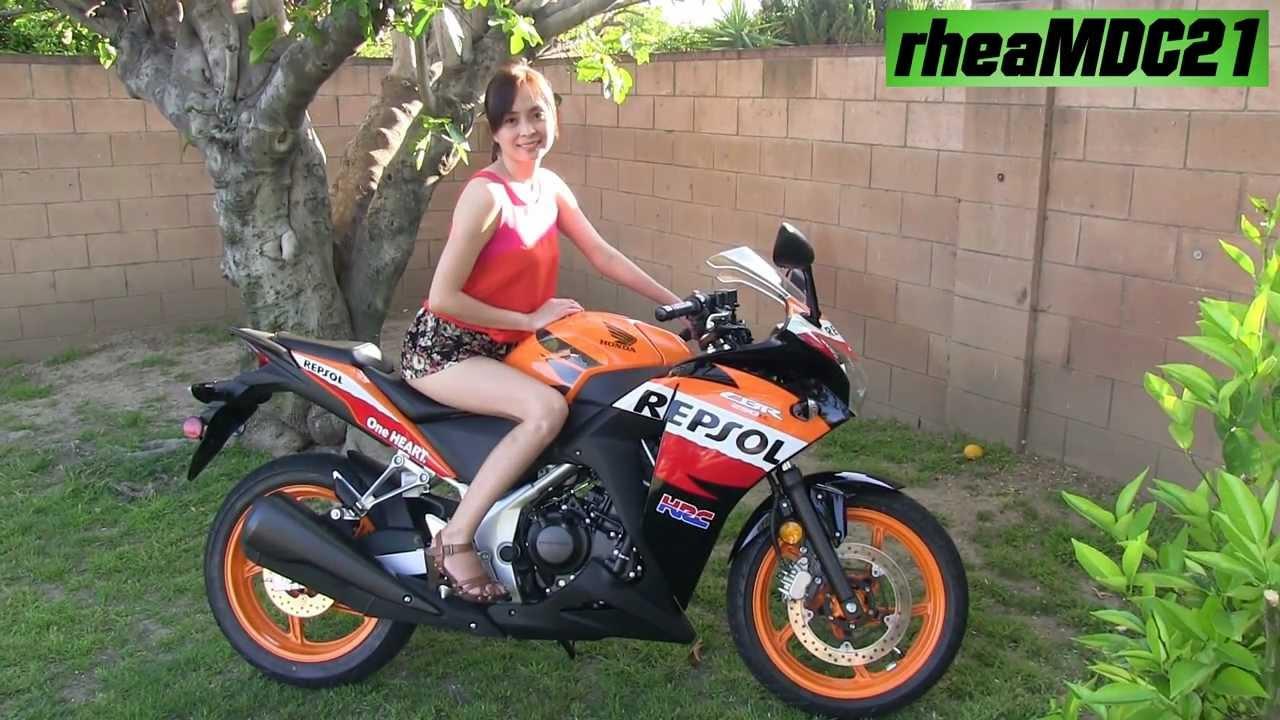 She S Revving A Stock Honda Cbr 250r Repsol Moto Gp