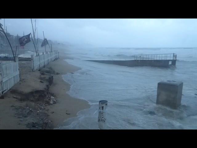 Badalona quedant-se sense platja - Desembre 2019