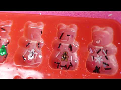 LALALOVEABLES: Watch me resin winter gummy bears