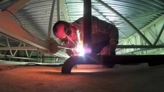 Сварка горизонтального шва газосваркой(В этом видео я обвариваю заготовку., 2016-06-13T17:48:42.000Z)