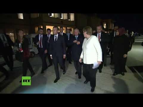 Angela Merkel habla en ruso con Vladimir Putin