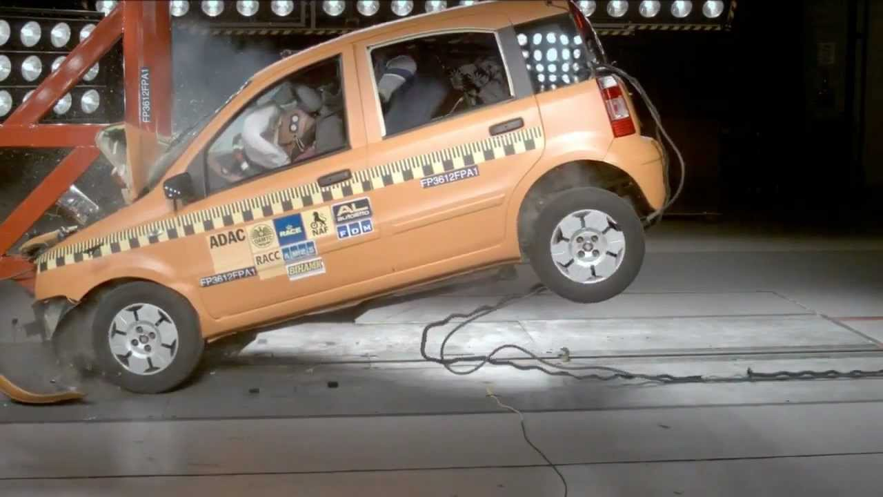 adac crash test unbelted at 70 km h fiat panda vs tree. Black Bedroom Furniture Sets. Home Design Ideas