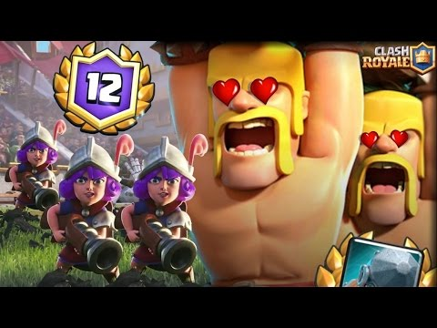 12 WINS GRAND CHALLENGE 3 MUSKETEERS BATTLE RAM DECK | Clash Royale