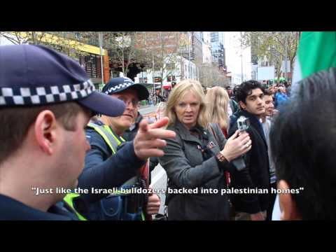 (MELBOURNE PROTEST) | ISRAELI WOMEN SHOWING OFF THEIR FLAG AT A PALESTINIAN PROTEST IN MELBOURNE