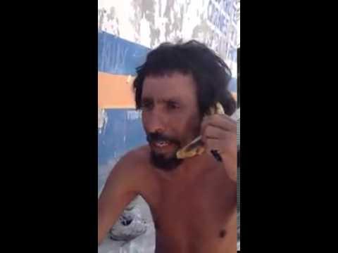 Ramón habla por plátano con su novia