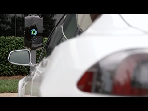 Tesla Model S - Wireless Charging
