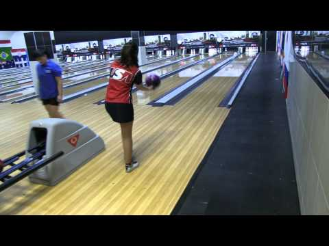 Diandra Asbaty's 4-Step approach at the 2011 World Bowling Cup in South Africa