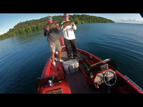 5 Pounds Finale: Massive Smallmouth On Grand Traverse Bay