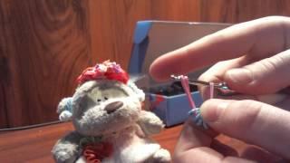 как сделать сережки для вашей игрушки из резинок