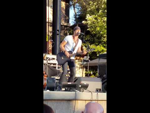 Casey James - Fall Apart-acoustic at Ironstone Amp