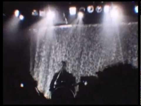 The Kills - Pale Blue Eyes [live/super 8 film/Toronto]