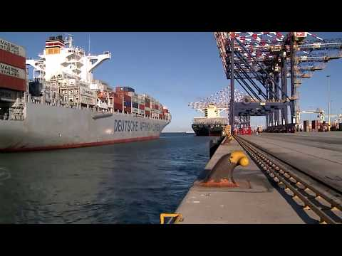 Cavotec MoorMaster™ automated mooring at a container handling application