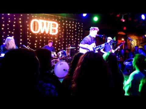 Ohio Weather Band: Purple Polished Nails. Musica Akron