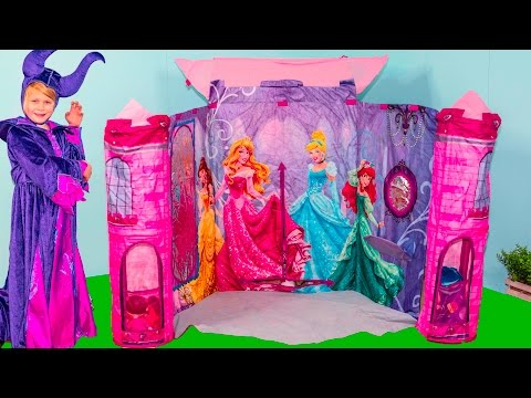 Assistant Opens Surprise in Princess Castle with Moana and Paw Patrol Toys
