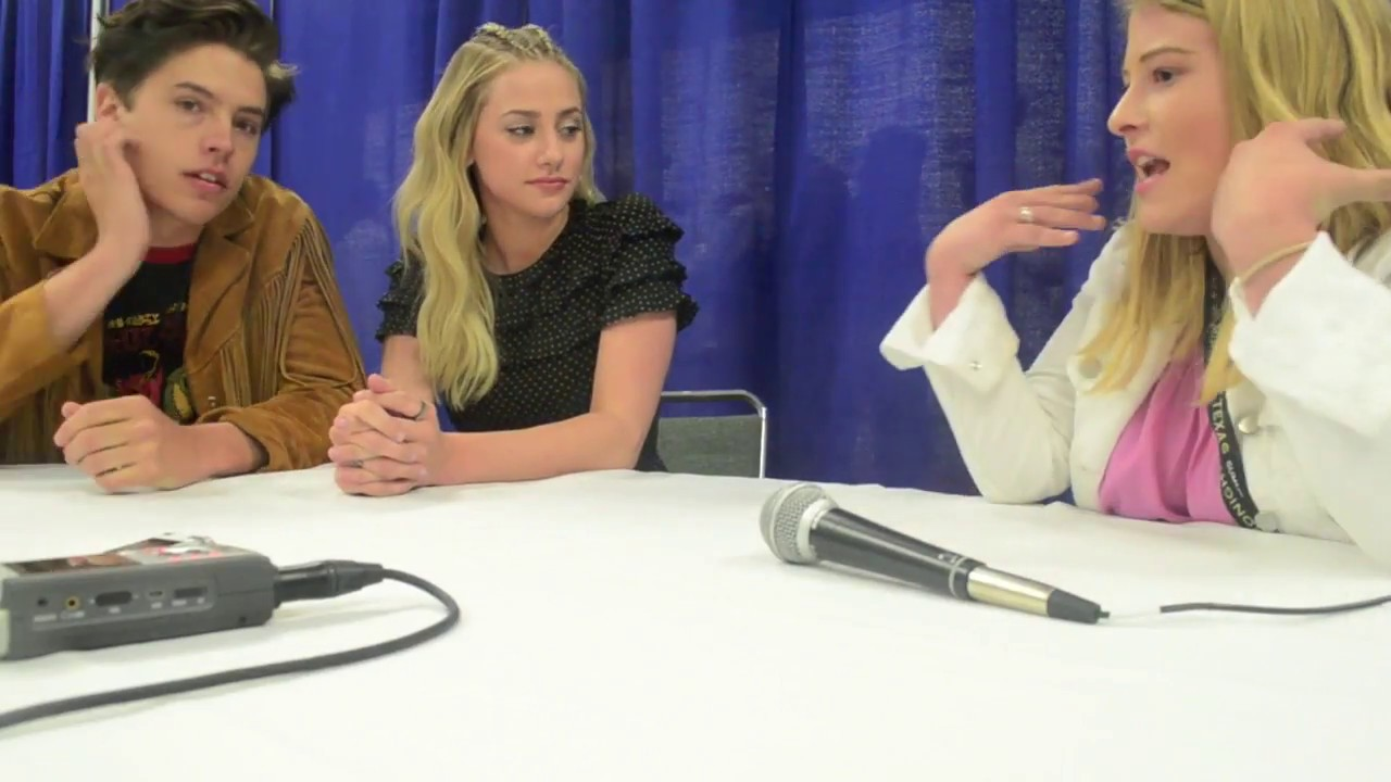 Cole Sprouse and Lili Reinhart of Riverdale Interview at ...