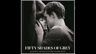 Video Beyoncé - 10 - Crazy In Love (2014 Remix) - Fifty Shades of Grey HD1080 320kbps download MP3, 3GP, MP4, WEBM, AVI, FLV Agustus 2018