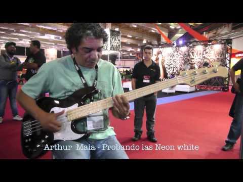 Arthur Maia con las nuevas DR Neon White!!!
