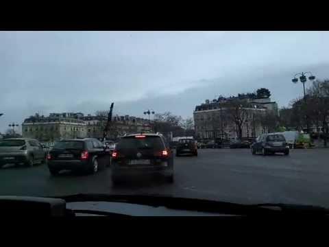 Walking: Paris Champs Elysees
