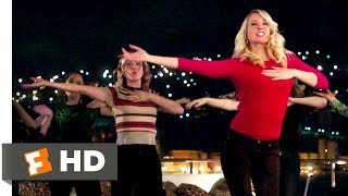 Gambar cover Pitch Perfect 3 (2017) - Toxic Fight Scene (8/10) | Movieclips