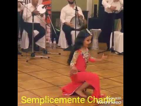 ???? طفلة جميله ترقص شرقى thumbnail