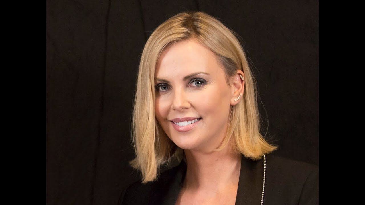 blonde Charlize theron