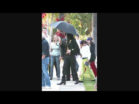 Michael Jackson at Beverly Hills Hotel 1 - 051509 - PapaBrazzi Report