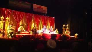 Jyoti Nooran and Sultana Nooran Live in Abbotsford,BC,Canada (Kuli Rah vich pai) on 25th Nov. 2012