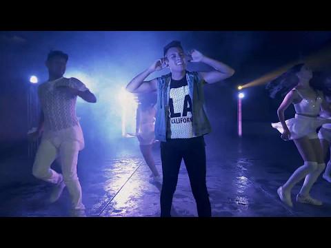 Esteban Villaseñor Ft Alexz Romance & JFayFit - Mi Momento (Official Music Video)
