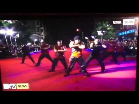 Austin Mahone VMA performance