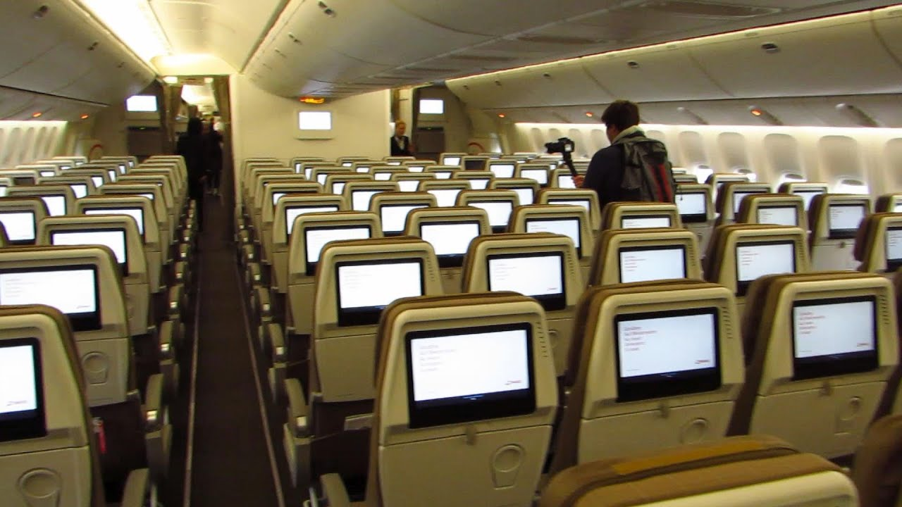 777 Interieur Cabin Tour Swiss Boeing 777 300er Economy Business And First Class Full Hd