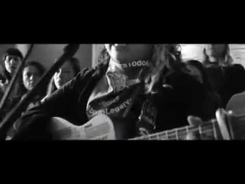 Download Vivir Quintana - Canción sin miedo ft. El Palomar  (Sous-titres Fr Francais)