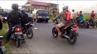 Video Tabarakan Motor vs Mobil di Kerinci Jalan Sekungkung download MP3, 3GP, MP4, WEBM, AVI, FLV Oktober 2018