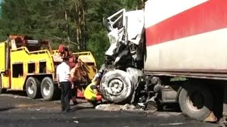 Best truck crashes, truck accident compilation 2015 Part 9