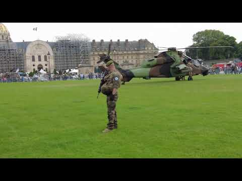 Download French Legionnaires and helicopters in the center of Paris