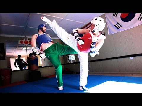 WTF Taekwondo Training | New Sparring Gear!