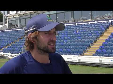 Joe Burns links up with Glamorgan