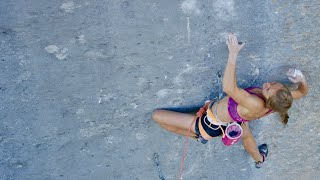 Margo Hayes climbing Biographie (9a+)