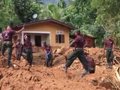 Raw: Death Toll Rising After Sri Lanka Mudslides