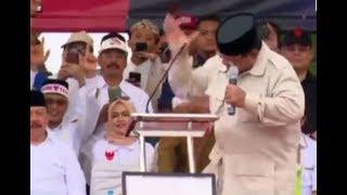Detik-detik Prabowo Gebrak Meja Podium hingga Mikrofon Terlempar