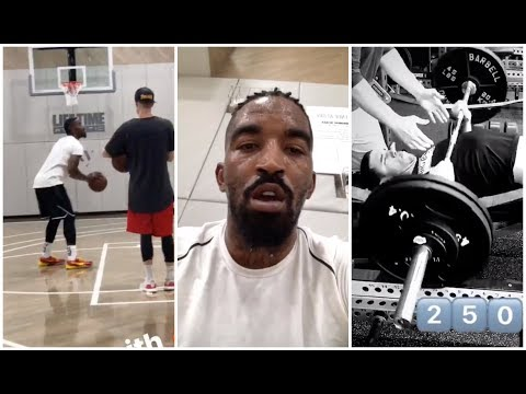 JR Smith has changed his look and is on fire in practice, Lonzo Ball is benching 250 lbs
