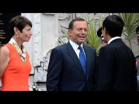 Australia PM remembers bombing victims in Bali