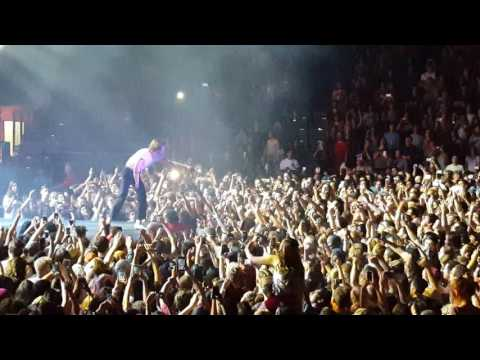 "Cage the Elephant ""Cigarette Daydreams"" Valley View Casino San Diego 2016"