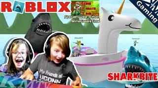 Surviving Double SHARK Attack! 🦈 w/MineCreateTime | ROBLOX Shark Bite! gameplay [KM+Gaming S03E018]