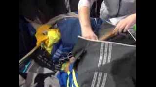 В Юрге полицейские изъяли партию спортивной одежды с признаками контрафактности(, 2013-12-10T02:34:35.000Z)