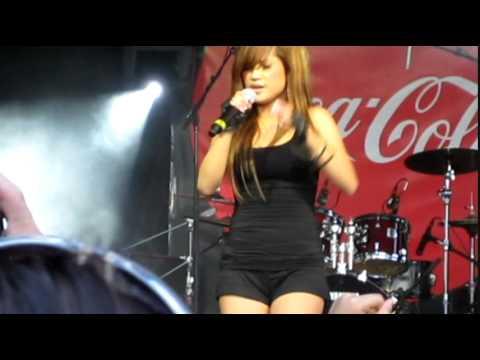 Unlove - Elise Estrada (live in Calgary Stampede 2009)